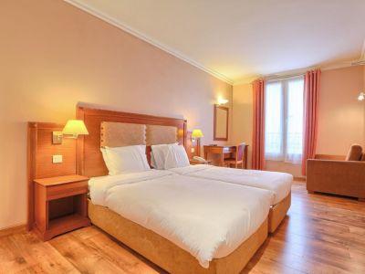 121 Hotel Paris 3*