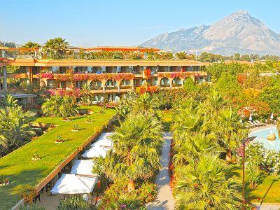 Acacia Resort  5*