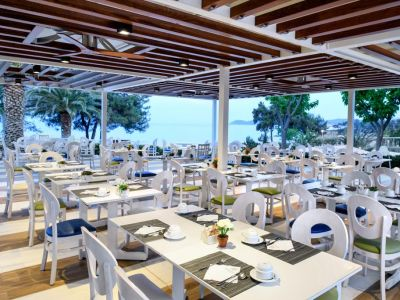 Alexandra Beach Thassos Spa Resort 4+*