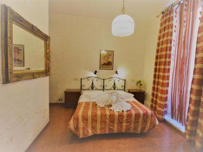 Alexis Hotel 2*