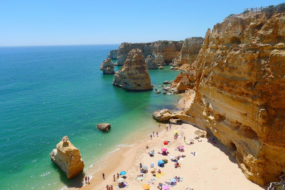 Algarvė - auksinių paplūdimių ir uolėtų pakrančių rojus Portugalijoje!
