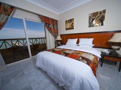 AMC Royal Hotel 5*