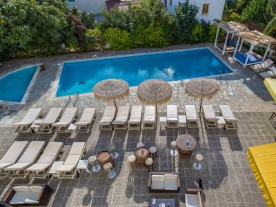 Antonis G. Hotel Apartments 2*
