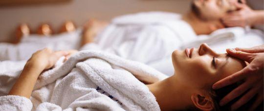Atpalaiduojantys bei gydomieji masažai HELONA medicinos centre