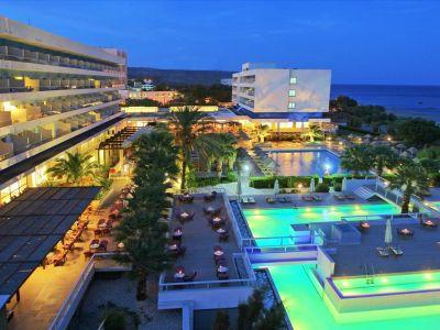 Blue Sea Beach Resort 4*