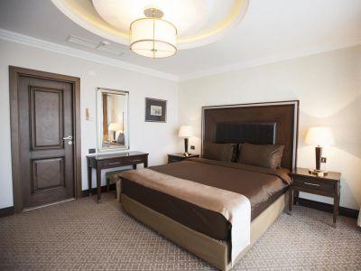 CHINAR HOTEL & SPA 5*