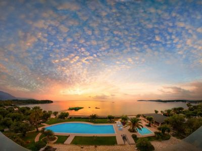 Elea Beach Hotel 4*