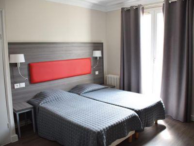 Est Hotel 3*