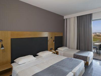 Evita Resort 4*
