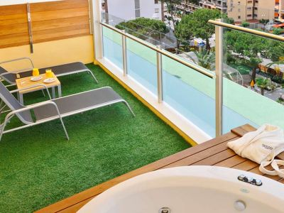 GHT Oasis Park & Spa 4*