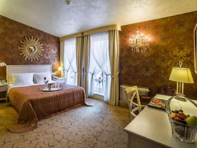 Imperial Hotel & Restaurant 5*