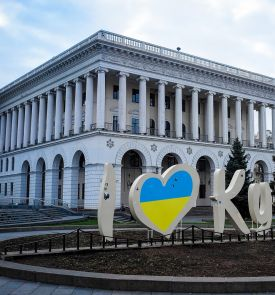 Juodasis penktadienis! Kalėdinė mugė Ukrainoje Lvove 3d.