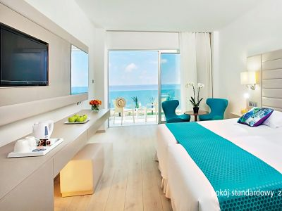 King Evelthon Beach & Resort 5*