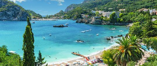 Korfu sala - žaliuojantys Graikiškieji Havajai!