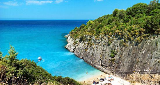 Krištolinio vandens ir auksinių paplūdimių sala- Zakintas