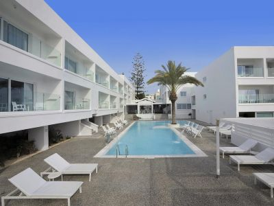 Liquid Hotel Apartments 3*