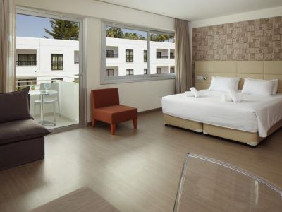 Melpo Antia Hotel & Suites 4*