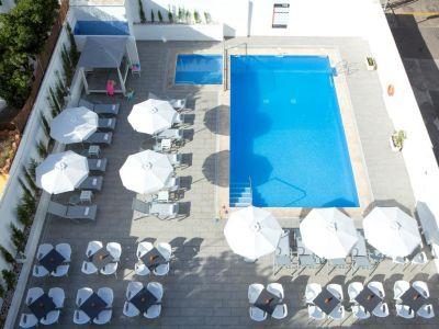 Mix Colombo Hotel 3*