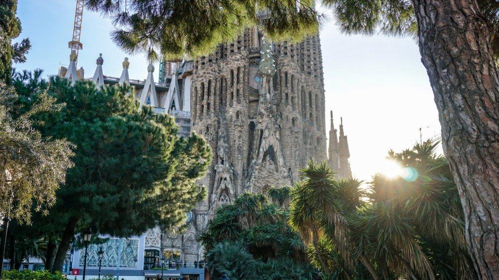 Pažintis su charizmatiškąja Barselona! Su poilsiu prie jūros!
