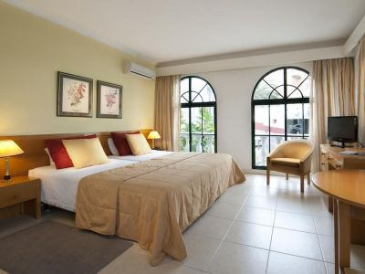 Rocamar & Royal Orchid 4*