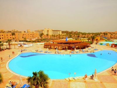 Royal Lagoons Aqua Park & Resort 5*