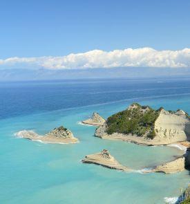 Rugpjūtį atostogaukite Korfu saloje