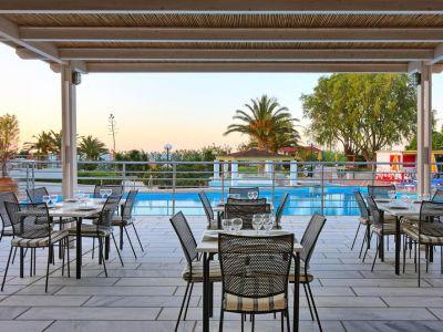 Santa Marina Beach Hotel 4*