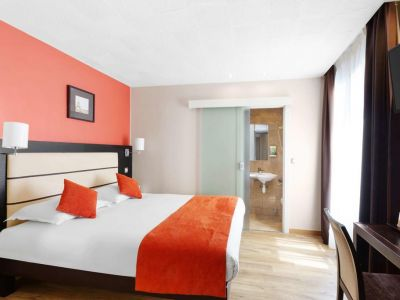 Sure Hotel by Best Western Paris Gare du Nord 3*