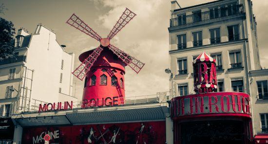 Valentino dieną švęskite meilės mieste Paryžiuje!